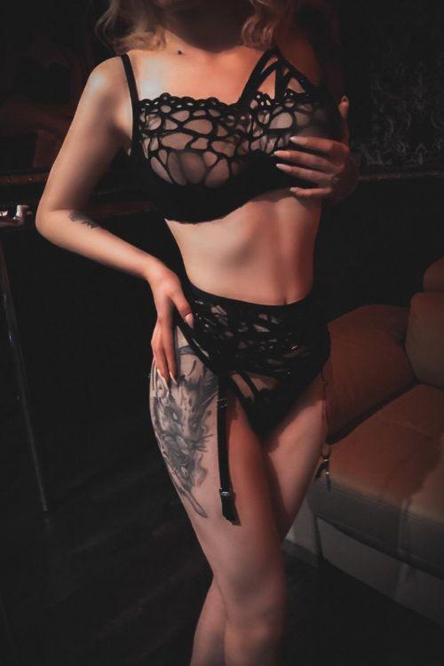 Массажистка Roxy Валерия