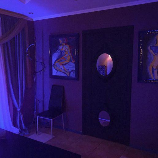 комната для посетителей Рокси